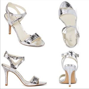 """A New Approach """"Hollie"""" Sexy Silver Heels, size 6"""